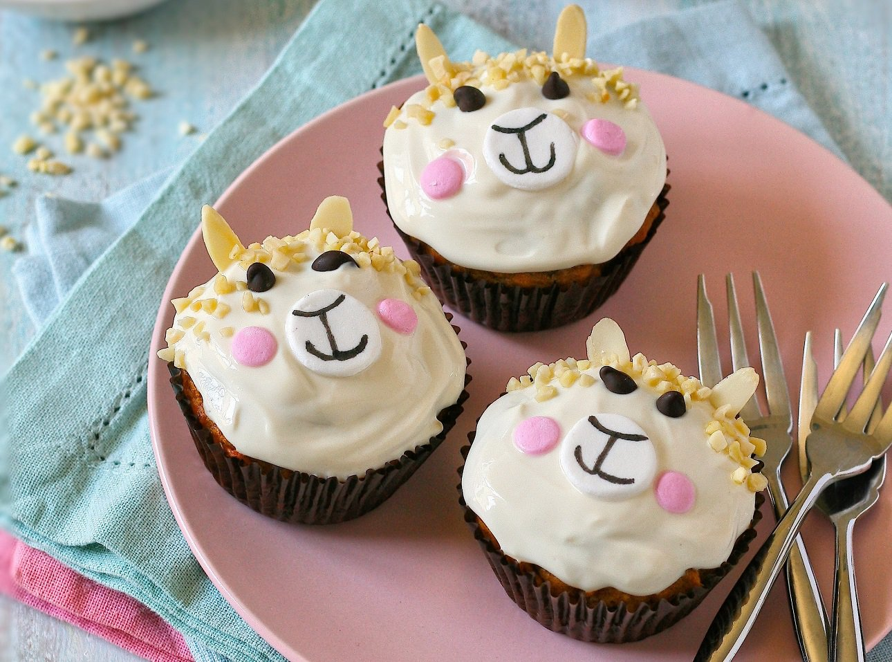 Llama Party Muffins with Cream Cheese Icing