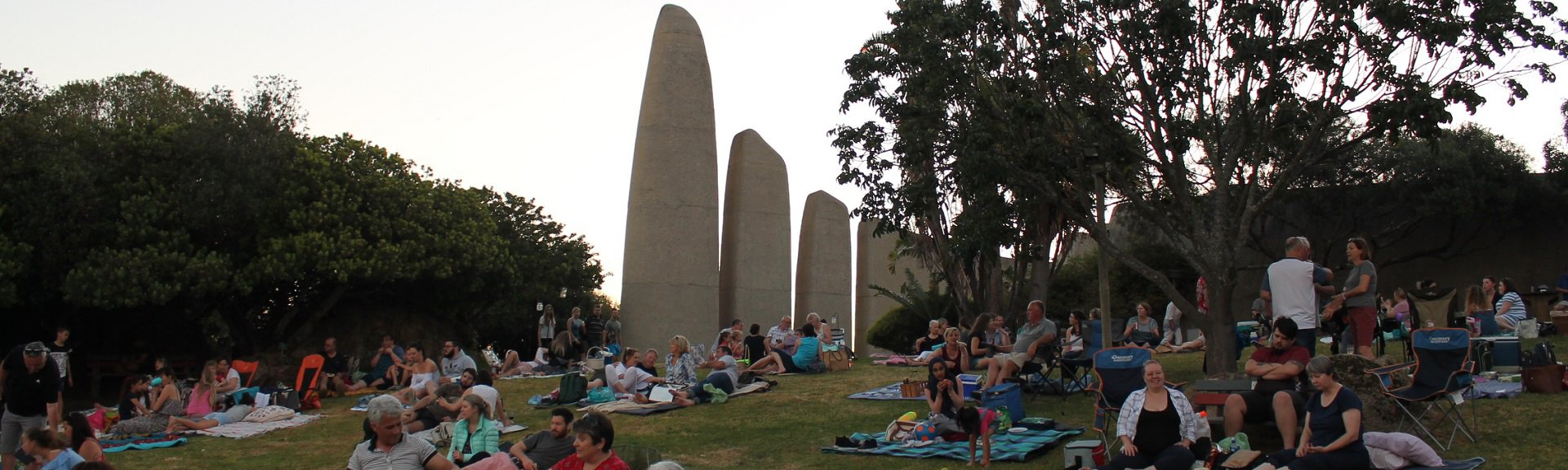 Full Moon Picnics | Taalmonument | Paarl | Things to do With Kids