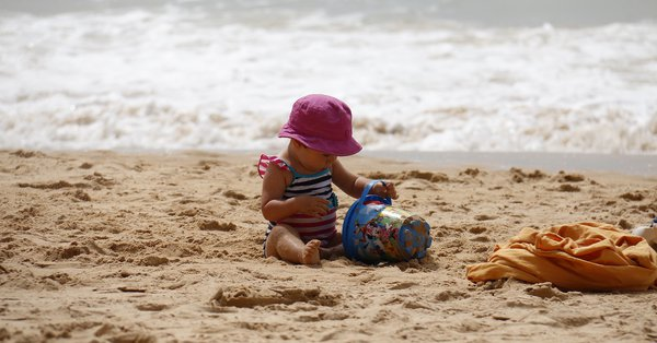 Hacks for a beach day with kids